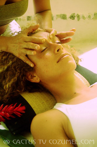 Thai-massage face and eyes