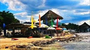 """YOGA EN LA PLAYA aquí en Cozumel, en un lugar increíble CAFÉ DEL MARE COZUMEL dirección: Av. Rafael Melgar Norte """"Playa Casitas"""" 2 da palapa: telf 8690694 ,  FACEBOOK: CAFE DEL MARE - COZUMEL"""